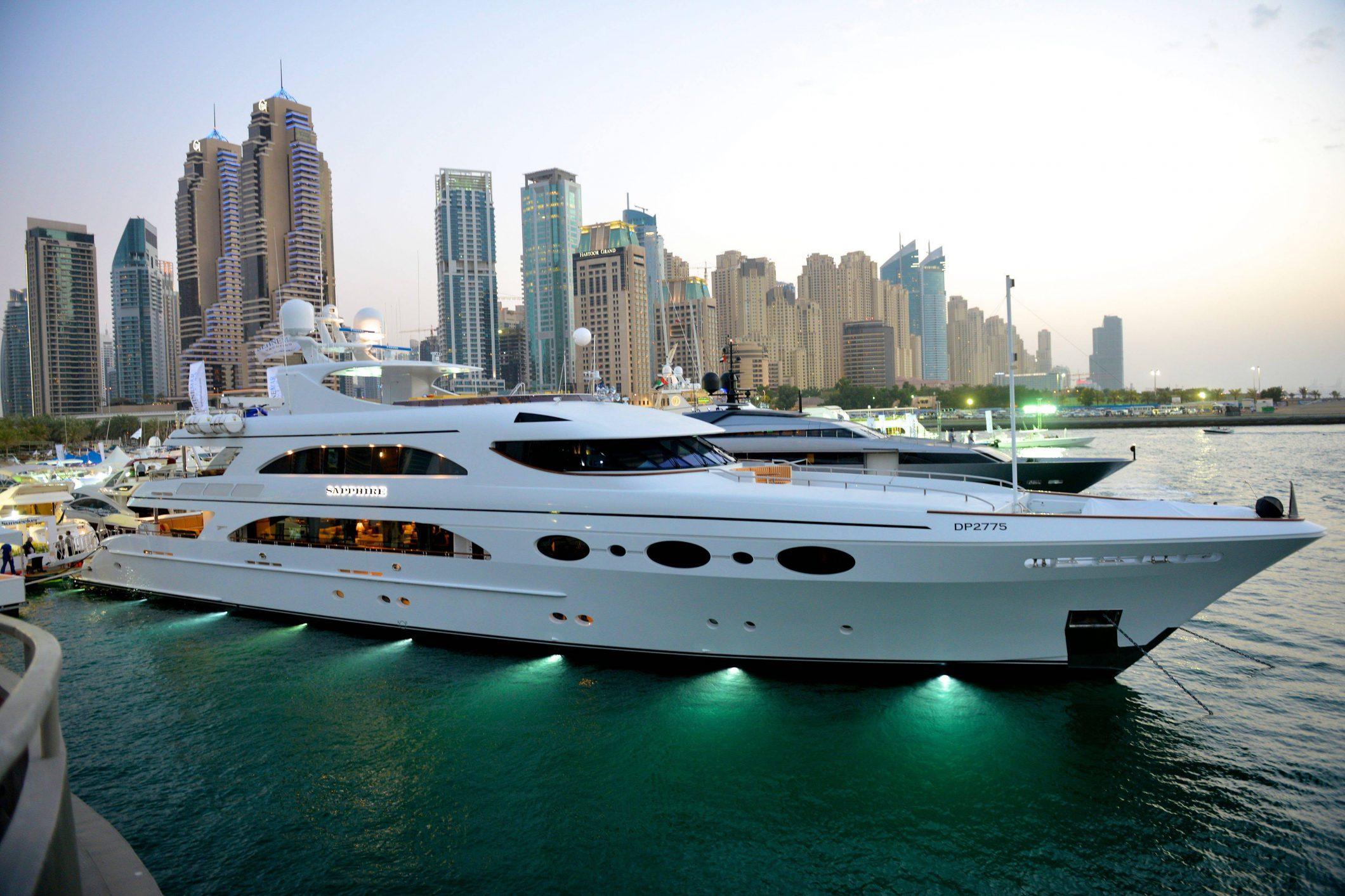 biggest luxury yacht